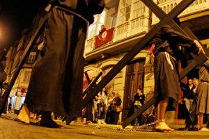 http://www.radioobradoiro.com/fotos/ro/procesion-penitencia-ferrol/idGaleria-4557/