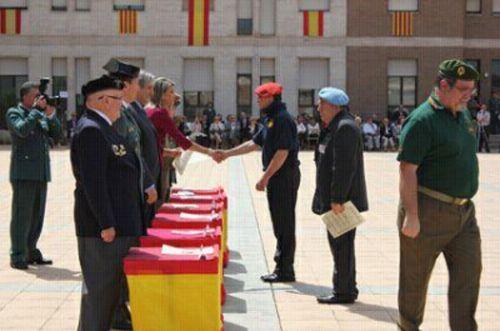 http://www.ara.cat/politica/Llanos-Luna-excombatents-Hitler-Alemanya_0_921507991.html