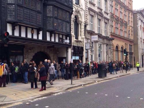 Cues a Londres.
